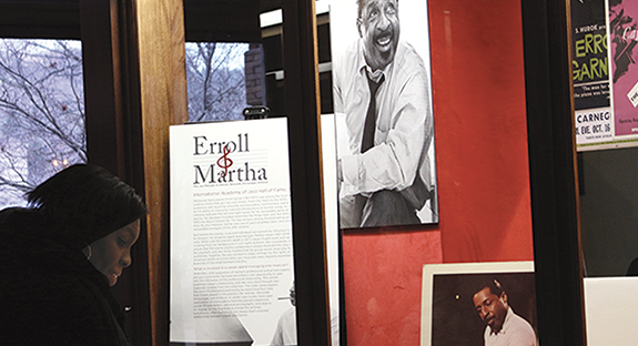 A crowd of faculty, students, and community members gathered at the William Pitt Union on Feb. 4 to see the new tribute to Pittsburgh-born jazz pianist Erroll Garner. The display was assembled by Pitt Jazz Studies doctoral students Billy D. Scott, Ben Barson, and Jeff Weston under the guidance of Assistant Professor of Music Michael Heller. The display consists of photos, letters, memorabilia, awards, and other items that tell the story of Garner and his manager Martha Glaser, who fought to protect his rights as a Black artist in the 1950s.