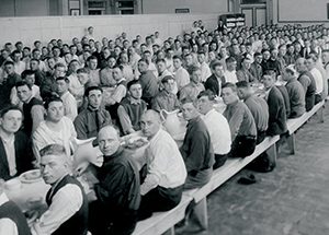 Enlisted men eat dinner at Soldiers and Sailors Memorial Hall. Within months, a mess hall and seven large barracks were built on campus.