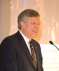 Chancellor Mark A. Nordenberg addressed more than 400 Pitt faculty and staff members who also are alumni of the University. The Feb. 4 luncheon in Alumni Hall has become an annual event.