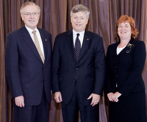 From left: Professor and Provost Emeritus James V. Maher, Chancellor Mark A. Nordenberg,  and Provost Patricia E. Beeson