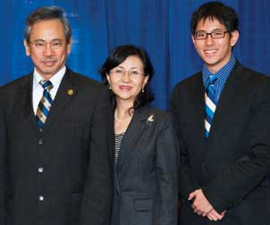 Wen-Ta Chiu; his wife, Juan; and their son, Jason, in a photo taken during the 2009 Legacy Laureate dinner at Pitt.